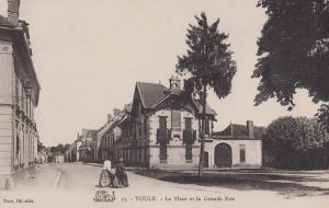 Voulx La Place Et La Grande Rue French Postcard