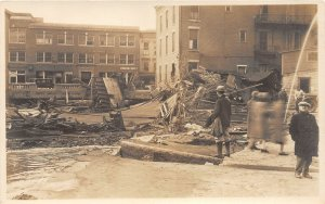 G42/ Montpelier Vermont RPPC Postcard c1920s Flood Disaster People Buildings 8