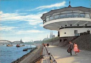 Koeln Partie am Rhein mit Bastein und Dom Promenade River Bridge