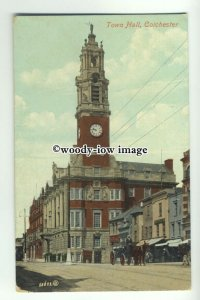 tp9435 - Essex - Early View of the Town Hall and Shops, in Colchester - postcard