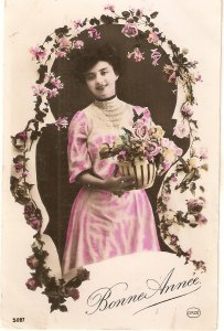 Pretty lady with flowers Nice old viontage French New Year Greetings PC