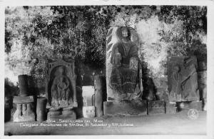 Santillana del Mar, Colegiata, Esculturas de Sta Ana, El Salvador y Sta. Juliana