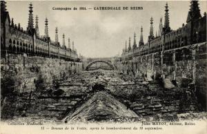 CPA  Campagne de 1914 - Cathedrale de Reims   (741841)