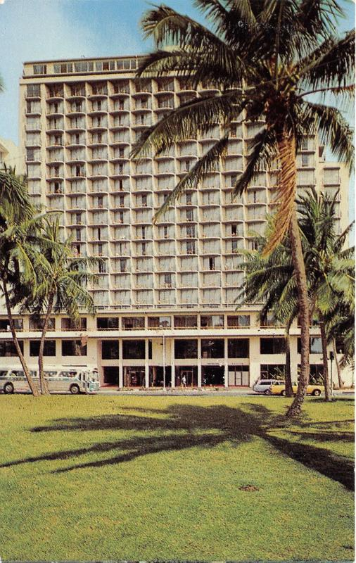 Honolulu Hawaii~Waikiki Beach~Outrigger East Hotel~Bus in Front~1960s Pc