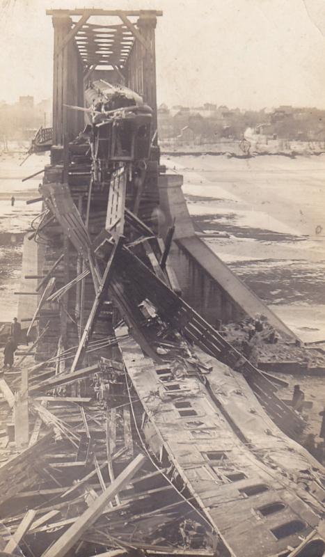 RP; SASKATOON , Saskatchewan, Canada , 1912 ; Railway Bridge Collapse 3/4