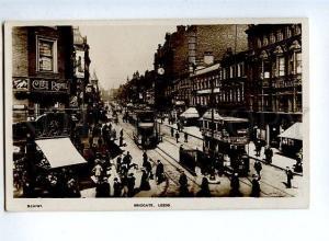 131680 UK LEEDS Briggate Vintage photo PC street Advertising