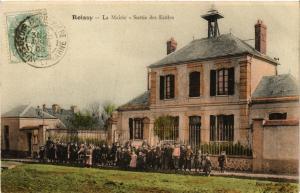 CPA ROISSY La Mairie. Sortie des Ecoles (509333)