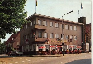Netherlands Hotel Restaurant De Kroon Nuth Cafe Terrace Vintage Cars Postcard