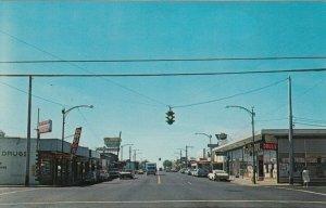 MOSES LAKE , Washington , 50-60s ; Main Street