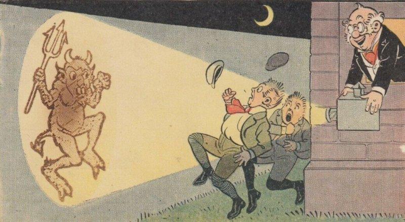 COMIC: Old man shines light on devil startling two men, Crescent moon, 1900-10s