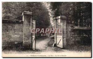 Old Postcard Villers Cotterets on the white door park