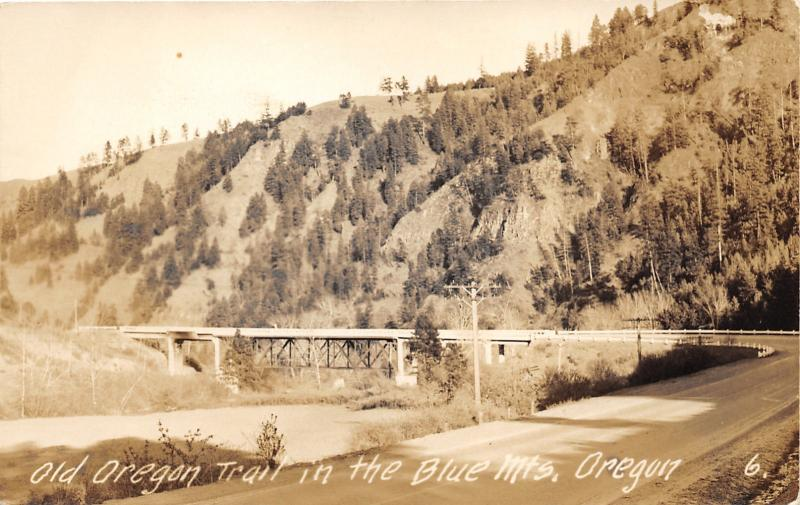 Blue Mountains Oregon~Old Oregon Trail~Highway Along Hill~1940s RPPC