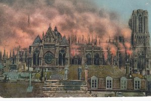 REIMS , France , 1914 ; Cathedral on fire