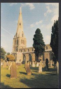 Northamptonshire Postcard - Raunds - St Peter's Church    A8031
