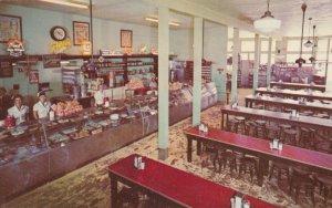 LOS ANGELES , California , 1950-60s ; Philippe's Restaurant