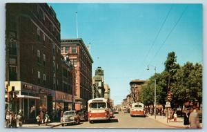 Postcard Canada Saskatchewan Regina 11th Avenue 1950s Cars Street View Q9