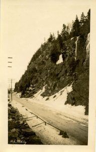NH - Crawford Notch,  Winter of 1931. Top of the Notch (5.75 X 3.75)