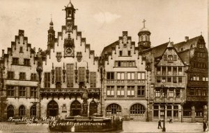 Germany - Frankfurt. Main Square, Fountain  *RPPC