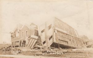 RP: Cyclone Damage , REGINA , Sask., Canada , 1912 ; Building