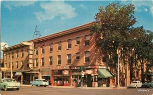 1950s Senator Hotel roadside Reno Nevada autos Colorpicture postcard 9228