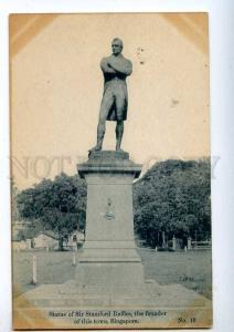 192138 SINGAPORE Stamford Raffles statue Vintage postcard
