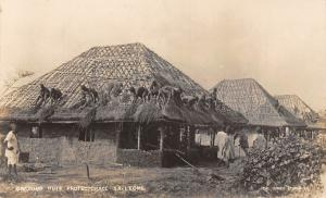 Protectorate of Sierra Leone, Crassing Building Huts real photo