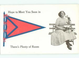Divided-Back PRETTY WOMAN Risque Interest Postcard AA7778