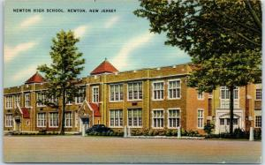 Newton, New Jersey Postcard NEWTON HIGH SCHOOL Street View Linen c1940s Unused