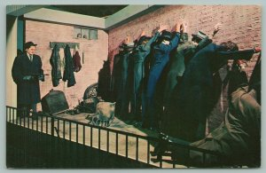 Chicago Illinois~St. Valentine's Day Massacre Re-Enactment~Gun~Postcard~1960s