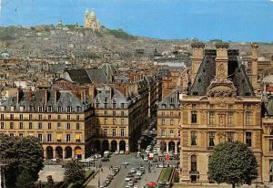 France Paris La Place des Pyramides et la Butte Montmartre Voitures Vintage Cars