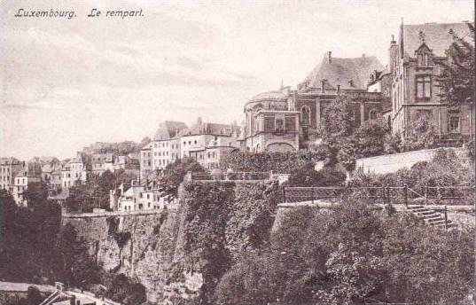 Bird's Eye View, Le rempart, Luxembourg, 00-10s