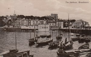 BROADSTAIRS , Kent , England , 1917s ; The Harbour