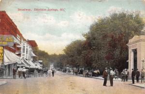 Excelsior Springs Missouri~Busy Broadway Street~Drugs~Beer~Men in Dirt Road~1910