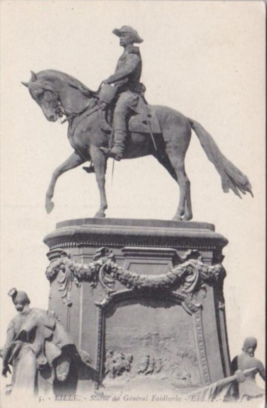 France Lille Statue du General Faidherbe