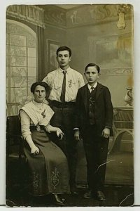 RPPC Czech Republic  Jos.Vidlak Lazne Podebrady Three Children Postcard H12