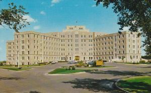 Hospital , SASKATOON , Saskatchewan , Canada , 50-60s
