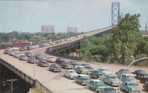 Motor Traffic , Ambassador Bridge , WINDSOR , Ontario , Canada , 50s