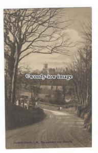 h1577 - Isle of Wight - Godshill Church, the approach from Shanklin - Postcard