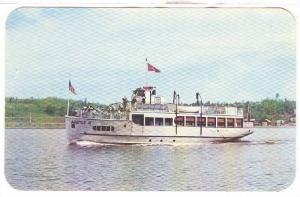 Ship ARGYLE II leaving Kenora, Ontario , Canada , 40-60s