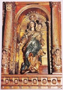 Spain, Catedral de Barcelona, Shrine and polychrome image in the Altarpiece of E