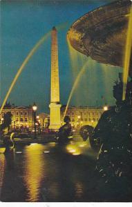 France Paris L'Obelisque illumine