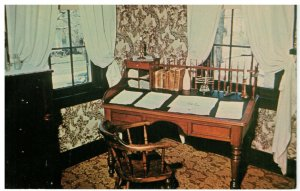 Postcard - Mr. Lincoln's Desk, Abraham Lincoln's Home, Springfield, Illinois