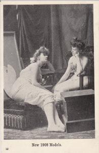 New 1908 Models, Women sitting in painter's studio, PU-1909
