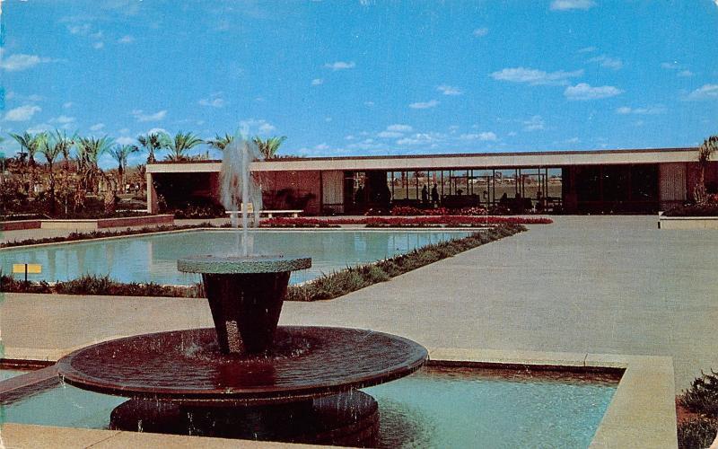 Mesa AZ Latter Day Saints (LDS) Temple Fountain in Gardens~Postcard 1950s