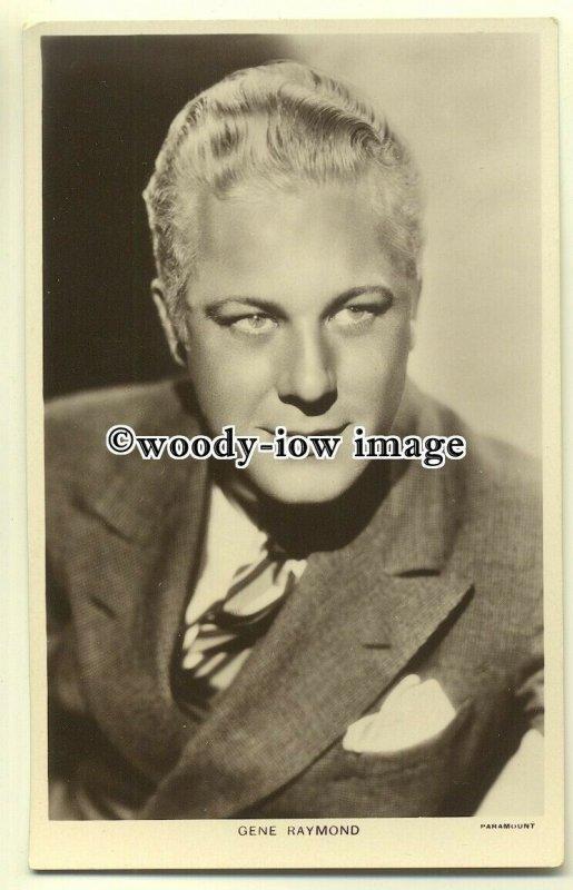b2262 - Film Actor - Gene Raymond - Picturegoer Series no 732 - Postcard