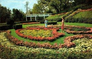 North Carolina Wilmington Orton Plantation Scroll Garden
