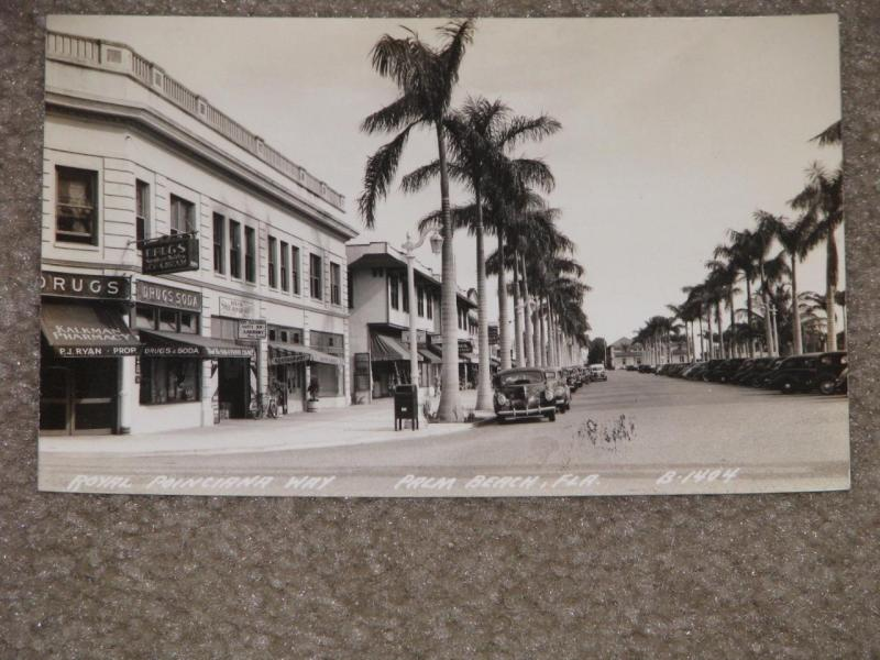 RPPC, Royal Poinciana Way, Palm Beach, Florida (1930`s-40s) Unused Vintage Card