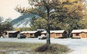 Kozy Knest Kabins,  Crowsnest Lake,  Alberta,  Canada,  40-60s