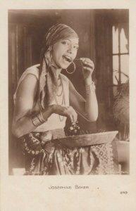 RP: Josephine Baker ,  1920s ; #4