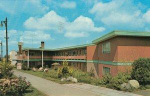 VANCOUVER, British Columbia, 1950-60s; Tourist Town Motel